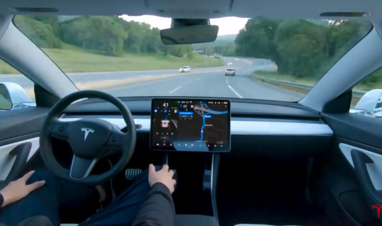 Ecco com'è viaggiare con la guida autonoma.
