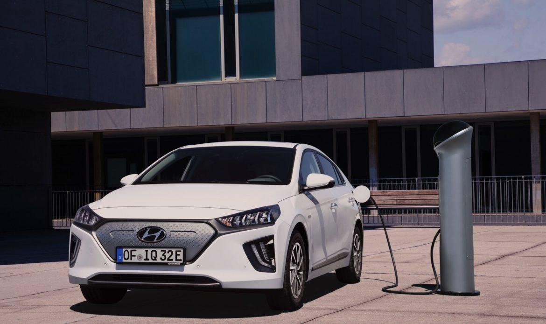 Hyundai aumenta la capienza della batteria di tutta la gamma IONIQ a 38.3 kWh.