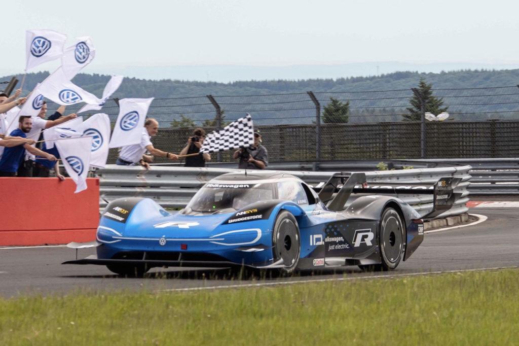 È la Volkswagen ID.R l'elettrica più veloce al Nürburgring