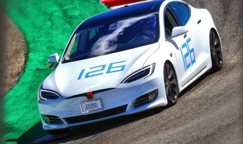 Tesla Model S si prepara alla sfida a Porsche Taycan stabilendo il record a Laguna Seca
