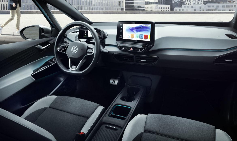 Due display sulla plancia della Volkswagen ID3