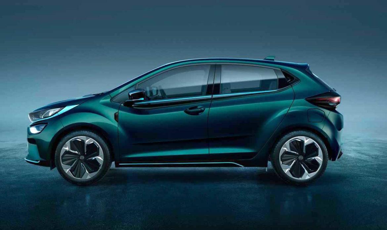 TATA Altroz EV l'utilitaria da 300Km e 15.000€