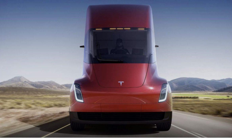 Tesla Semi – il camion elettrico da oltre 900 km di range