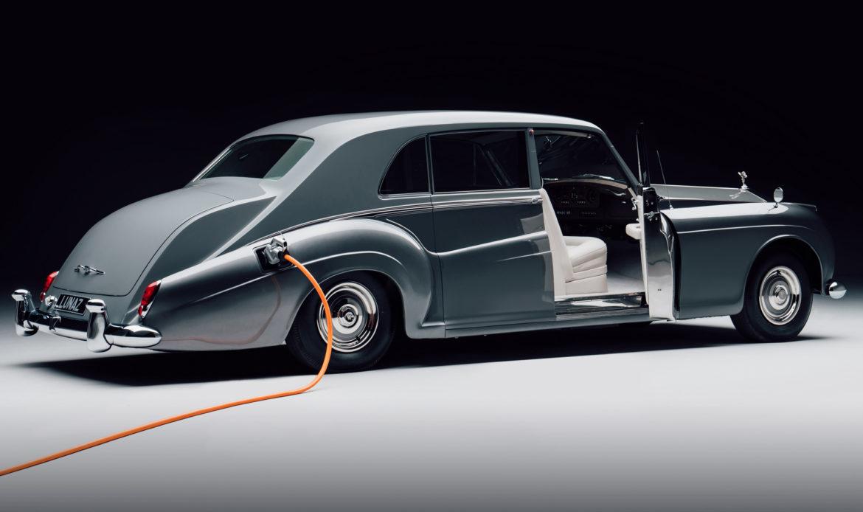 Lunaz, una startup britannica dedicata al retrofit ha trasformato una Rolls-Royce d'epoca in elettrica.
